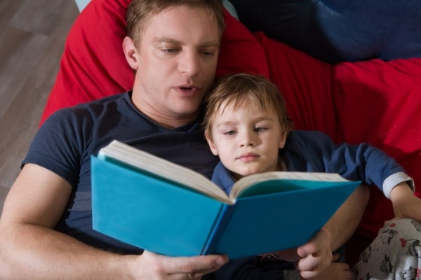 Bedtime stories are better for children if dad reads them